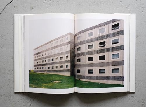 Architectures of Herzog & de Meuron - Portraits by Thomas Ruff