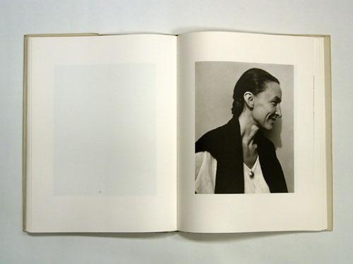 GEORGIA O'KEEFFE A PORTRAIT BY ALFRED STIEGLITZ アルフレッド・スティーグリッツ