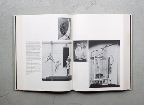 The Bauhaus: Weimar, Dessau, Berlin, Chicago